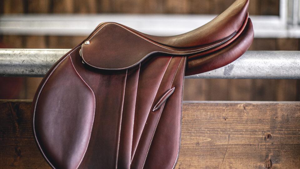 vi säljer både nya och begagnade sadlar från butet